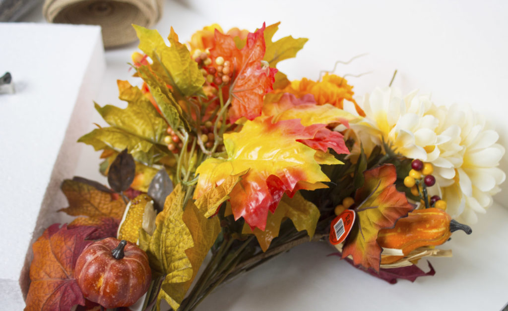 fall table display flowers