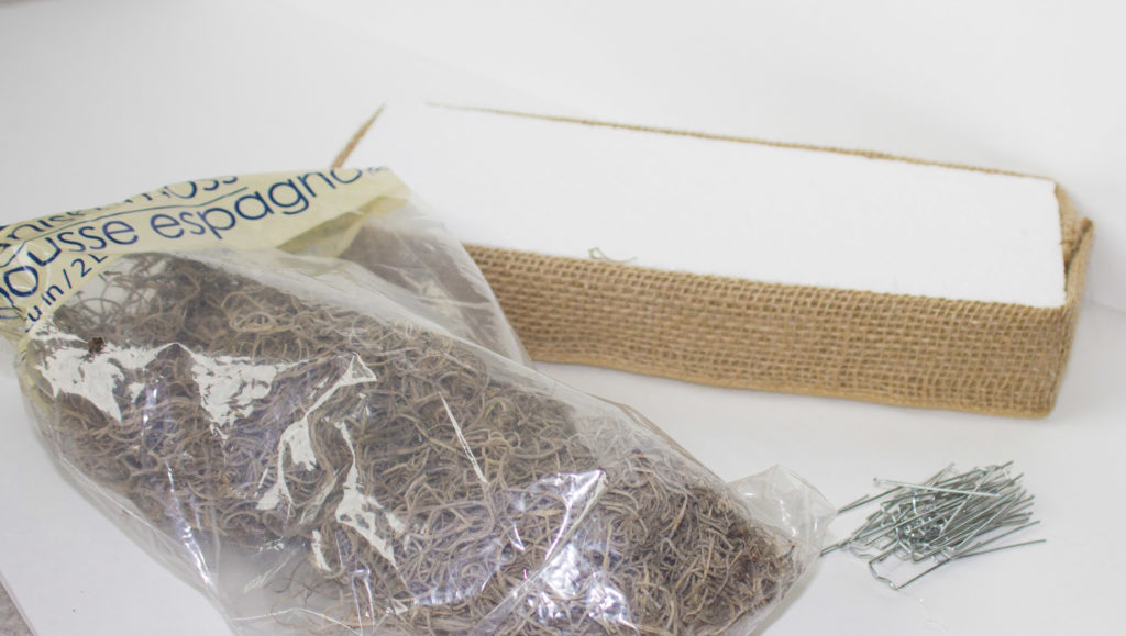 fall table display supplies for grass